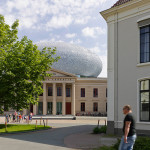 The ceramic dome is supported independently from the original museum. (Joep Jacobs)