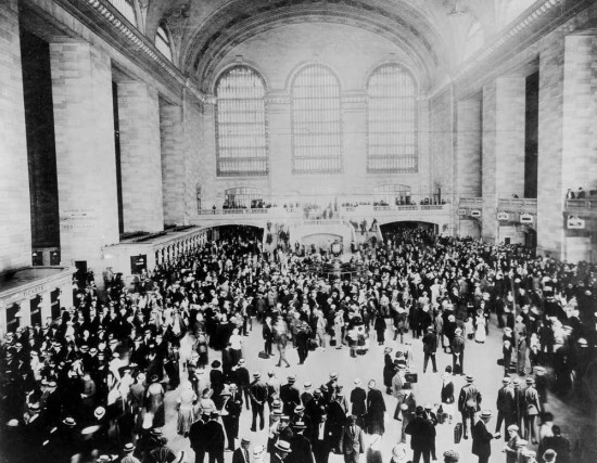 Grand Central's Main Concourse in 1914. (New York Transit Museum)