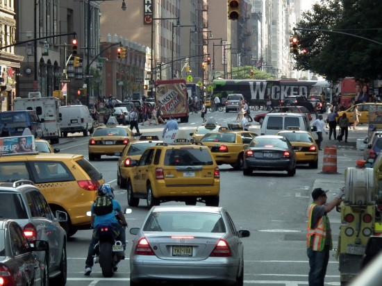 Busy New York City street. (Flickr /  Erik Drost)