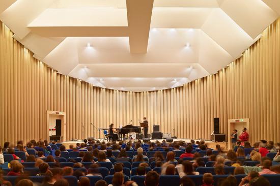 L'Aquila concert hall. (Photo by Didier Boy de la Tour)