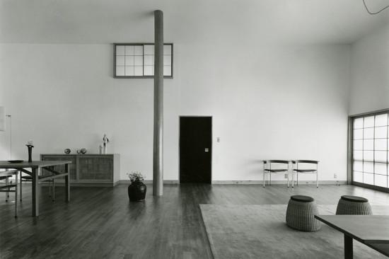 Shinohara Kazuo, Great room (hiroma), House in White, Suginami Ward, Tokyo, 1964‐66. (Murai Osamu / Courtesy Tokyo Institute of Technology)