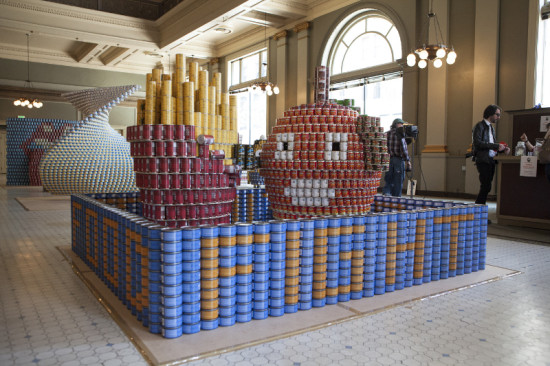 """FOOD FIGHT!"" by PCL Construction Services, Inc., KPFF Consulting Engineers, and Callison won Jurors' Favorite at Canstruction LA 2014. (Benjamin Ariff Photography)"