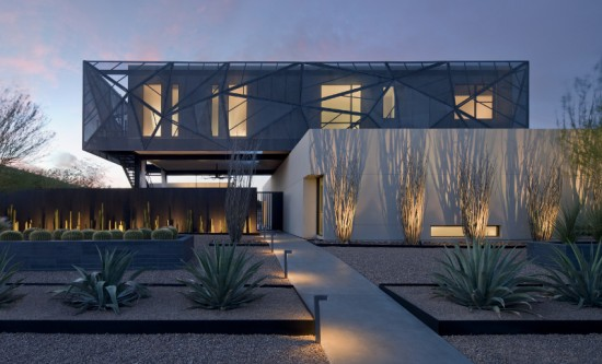 tresARCA's facade reflects the colors and textures of its desert environment. (Bill Timmerman)