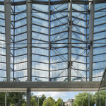 The train shed roof wraps onto the north facade. (Jannes Linders for Team CS)