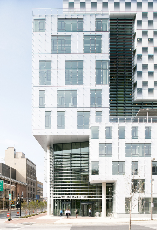 For the office block, Behnisch Architekten chose a punched-window system with automatic shades and a glass rain screen. (David Matthiessen)