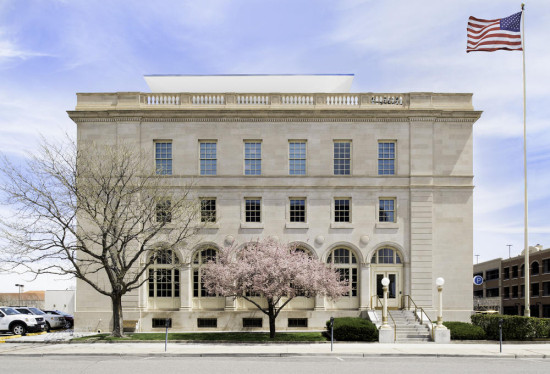 Wayne N. Aspinall Federal Building and U.S. Courthouse. (Kevin G. Reeves / Courtesy AIA