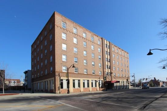 Hotel Belleville    16 S. Illinois Street, Belleville, Ill. (Frank Butterfield, Landmarks Illinois)