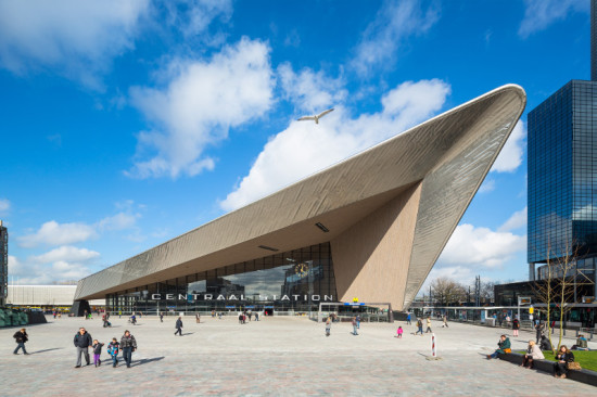The south facade of the new Rotterdam Centraal Station is a soaring construction of stainless steel and glass. (Jannes Linders for Team CS)