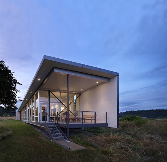 Private residence on Lopez Island, 2012. (Benjamin Benschneider)