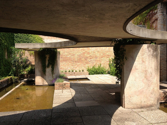 6-Garden-Interlude-by-Scarpa