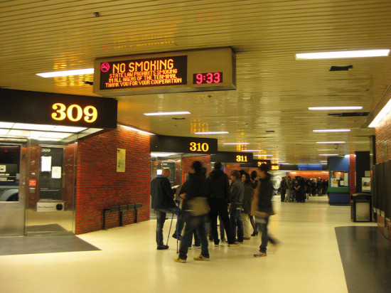 Port Authority terminal. (Flickr / rosebennet)