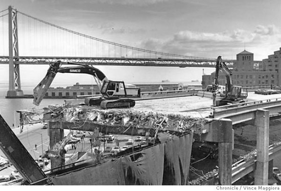 Destruction of the Embarcadero Freeway (SF Chronicle)