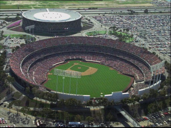 Oakland County Coliseum, with Oracle Arena behind (Bayvoice.net)