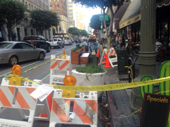 Spring Street Parklet, closed due to a car wreck. (Sam Lubell/ AN)