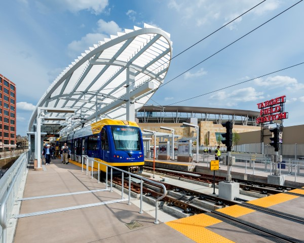 "Pictorial> Minneapolis' downtown transit hub by Perkins Eastman, ""green central"""