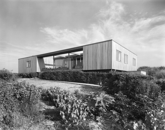 The Farney House. (© Ezra Stoller/Esto)