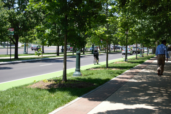 Bike lane in Philadelphia. (karmacamilleeon/ Flickr)