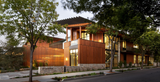 The David and Lucile Packard Foundation's headquarters in Los Altos, California is a relatively rare example of certified net-zero built work in the U.S. Completed in 2012, the building features a sophisticated cooling system, natural ventilation, and is certified LEED Platinum. (Jeremy Bittermann via Esherick Homsey Dodge & Davis)