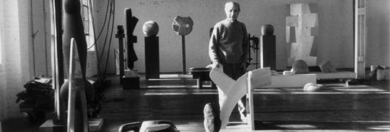 Isamu Noguchi (Courtesy The Noguchi Museum)