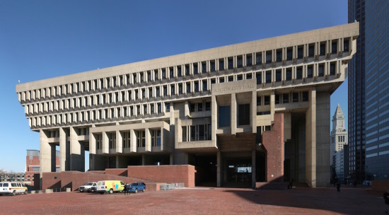 Boston City Hall, built in the 1960s to resemble the Piazza del Campo in Sienna, Italy. (Courtesy Wikimedia Commons)
