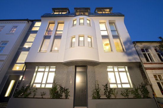 Kohler Goes With The Flow In Hamburg Facades Premier