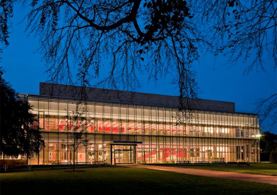 Cambridge Public Library. (Robert Benson Photography)