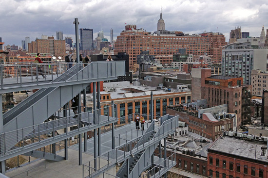 Catwalks on the building's east side offer views of the museum and the surrounding city. (Branden Klayko / AN)