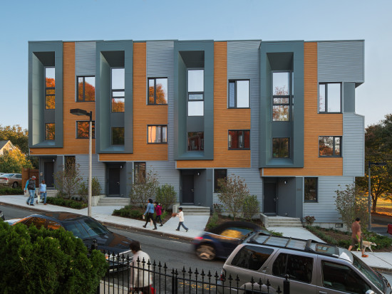 The townhomes achieved LEED Platinum for Homes certification and scored between -11 and -15 on the HERS Index. (Sam Oberter)