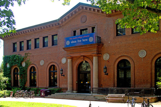 Smith College's Neilson Library. (Patrick Giblin / Flickr)