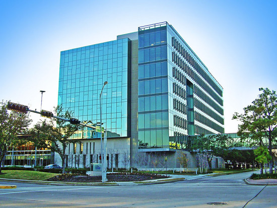HOK's Sysco headquarters building in Houston. (Hequals2henry / Wikimedia Commons)