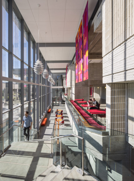 """With the library addition, UMass Dartmouth gained a new """"campus living room."""" (Jonathan Hillyer)"""