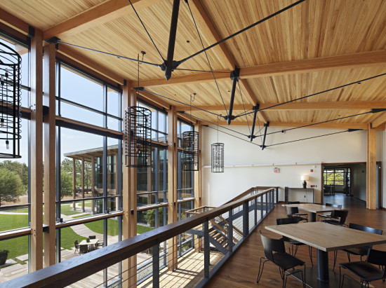The architects worked to maximize daylighting and views in offices and common areas. (Mark Herboth Photography)