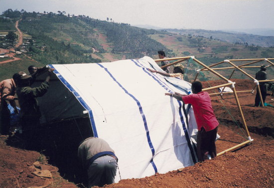 Ban's refugee camps in Rwanda. (Courtesy Shigeru Ban Architects/ NGO Voluntary Architects' Network)