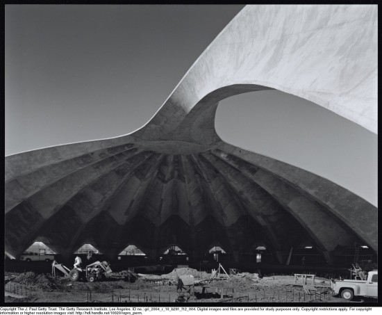 Construction of Frost Auditorium (Julius Shulman/ Getty Research Institute)
