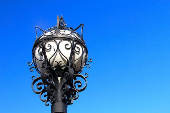 A streetlight in Kansas City. (Daniel X. O'Neil)