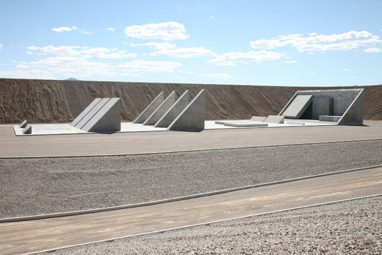 45°, 90°, 180° from City sculpted out of concrete and dirt. (Triple Aught Foundation. Courtesy LACMA)