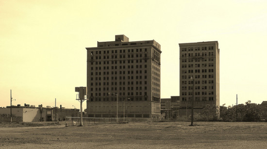 The abandoned Hotel Eddystone (left) and Park Avenue Hotel (right), near the Masonic Temple; Midtown Detroit. (Aidan Wakely-Mulroney via Flickr)