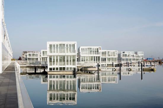 An Ijburg home by Architectenbureau Marlies Rohmer built on an artificial island (Courtesy Architectenbureau Marlies Rohmer)