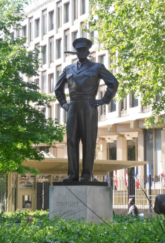 Statue of Dwight D. Eisenhower outside the embassy. British minister Margaret Hodge was among anti-war protesters in 1968. Courtesy Wikipedia
