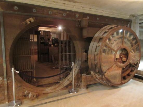 Theaster Gates and the Rebuild Foundation's Stony Island Arts Bank (Matt Shaw/AN)