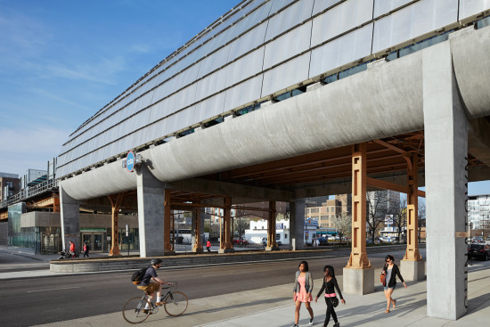 The tube-like Cermak McCormick CTA elevated train station provides a new sheltered stop to a once transit neglected area south of downtown Chicago. Courtesy Ross Barney Architects