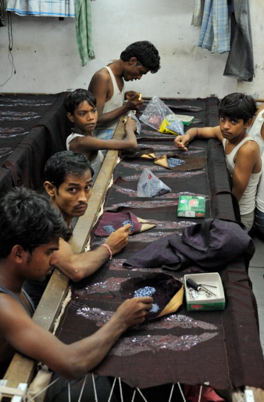 Beading in Dharavi. (Courtesy M M Flickr)