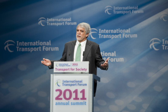 Enrique Peñalosa in 2011 as Director of the Institute for Transportation and Development Policy. ( ITF / Flickr)