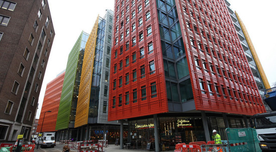 Renzo Piano's Central St. Giles mixed-use development. (Rick Ligthelm / Flickr)