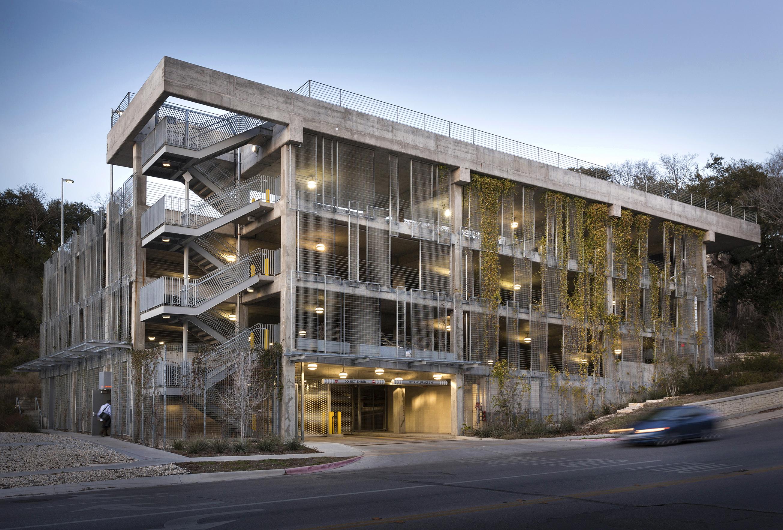 Elizabeth danze appointed interim dean at ut austin school for Utah home design architects