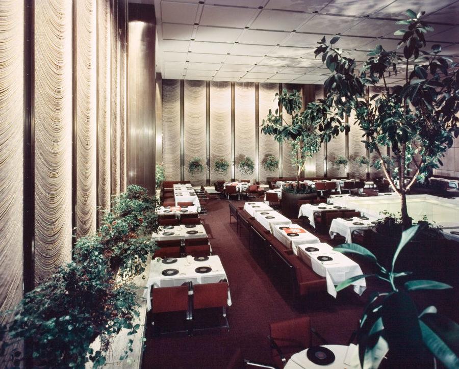 Docomomo phyllis lambert tribute at the four seasons june for Interior architect jobs new york