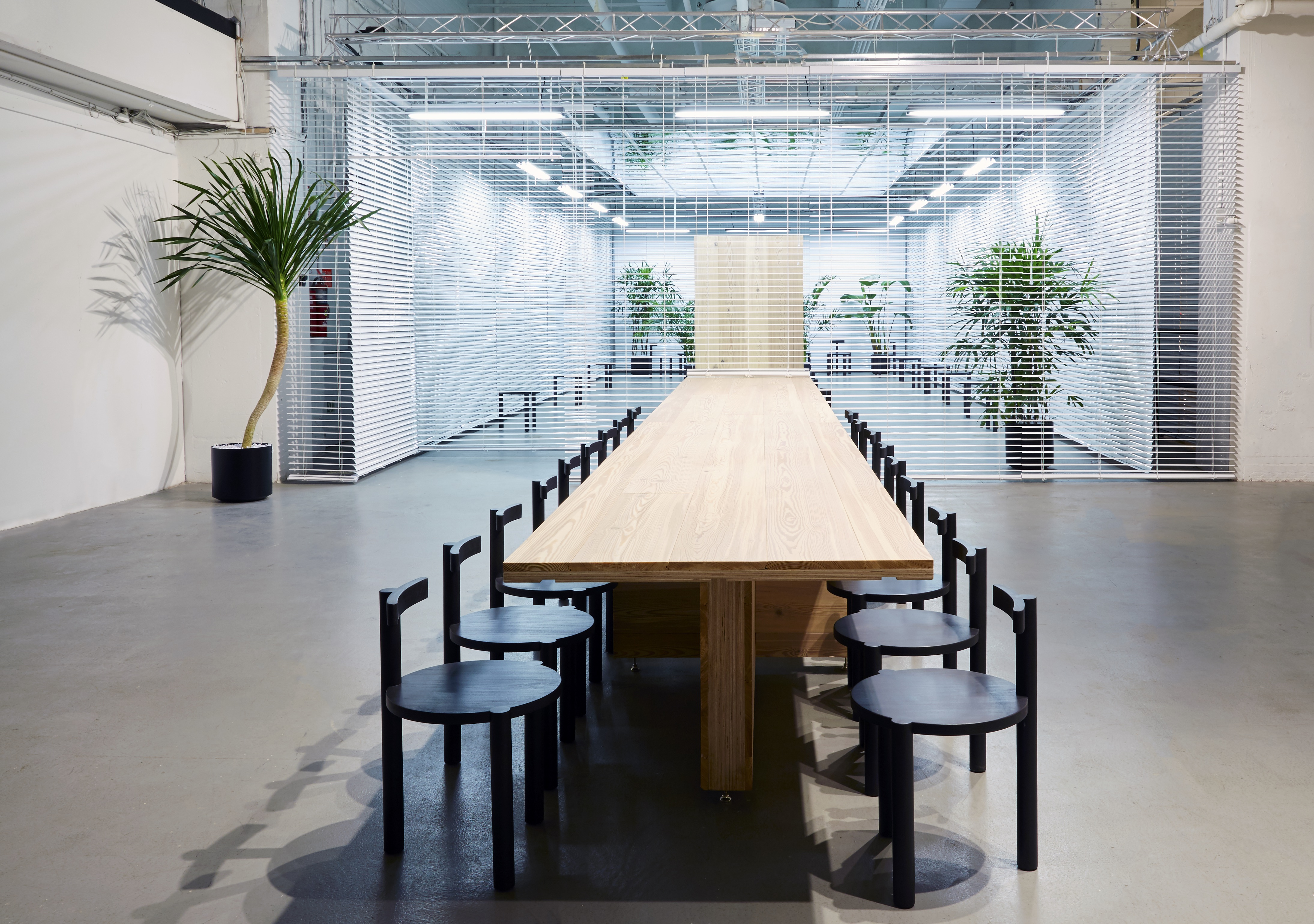 ASH NYC challenges conventions of contemporary office decor ...