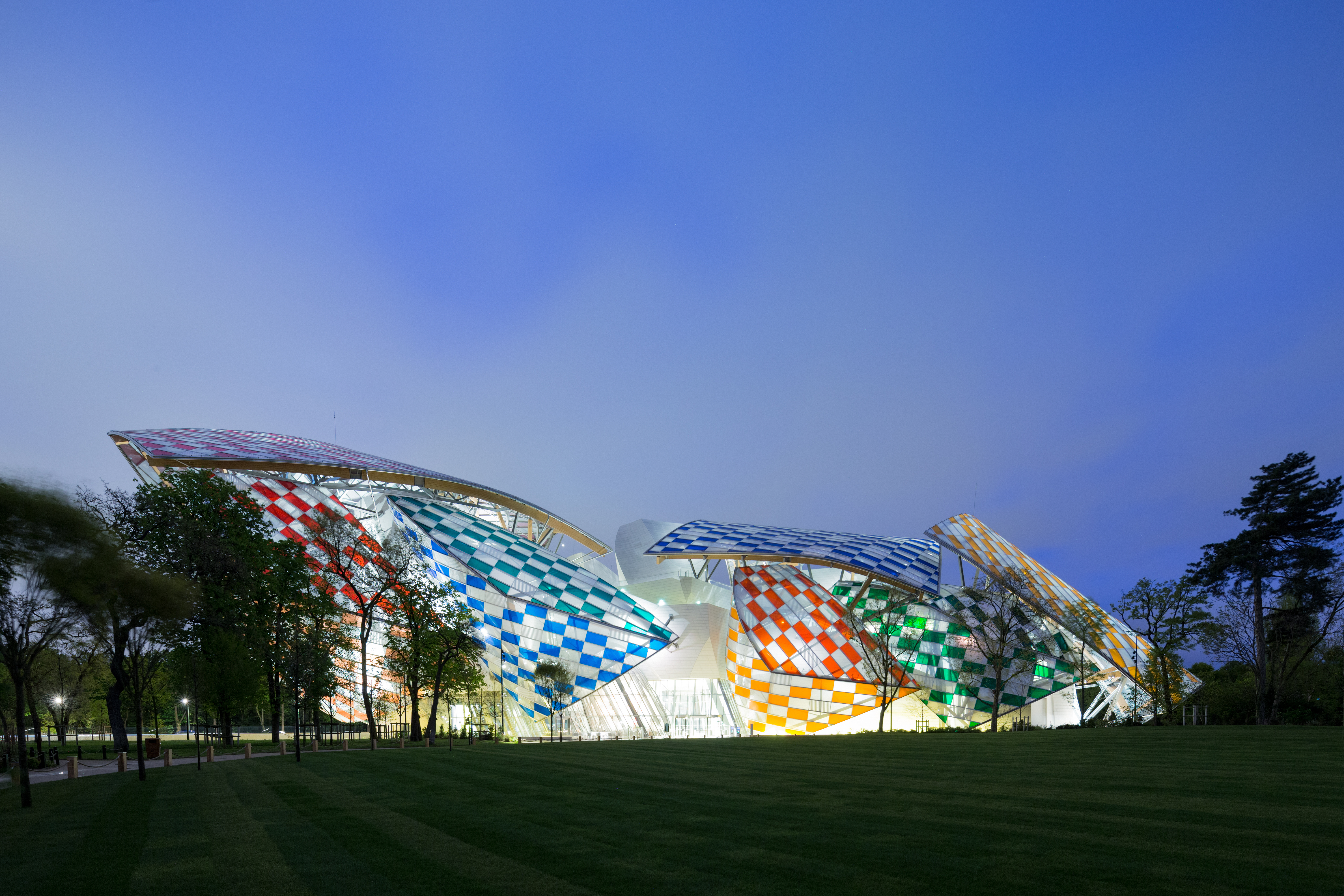 The Observatory of Light at the Fondation Louis Vuitton - Archpaper.com