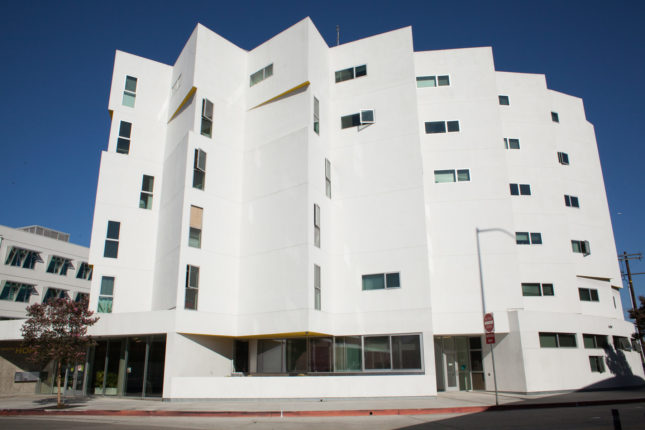 New Carver Apartments by Michael Maltzan Architecture (Mike Park/Courtesy Skid Row Housing Trust)