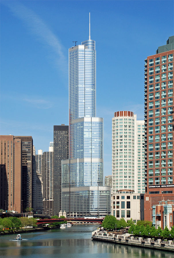Trump Tower Chicago (Courtesy Wikimedia Commons / Solar Wind)